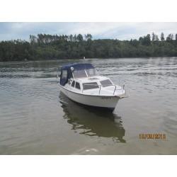 Kajutová, laminátová loď
