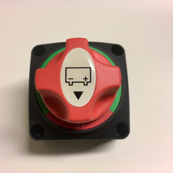 Spínač, odpojovač baterií
