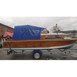 Dřevěná loď VARIANT VEB WIKING, motor, přívěs